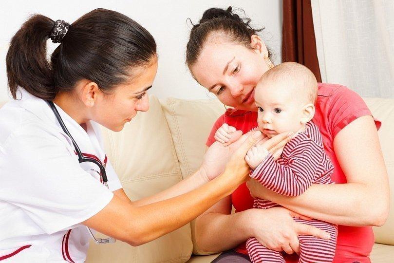 Потница у новорожденных - распознавание, ее особенности и причины
