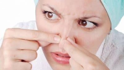 Прыщи на грудине у женщин, причины 🥝 высыпания на груди, лице, декольте