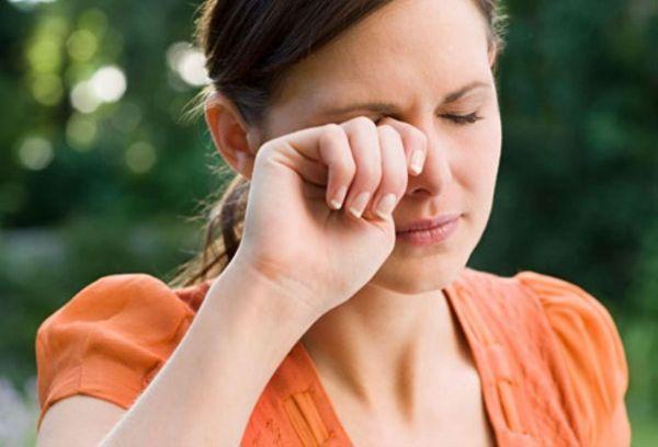 Глазной клещ: симптомы, лечение и фото